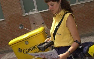 Mujer, mayor de 45 y sin formación: el perfil que Correos quiere desechar