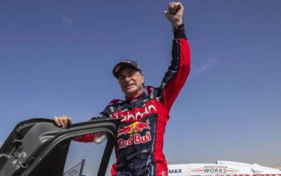 Carlos Sainz gana su tercer Dakar a los 57 años
